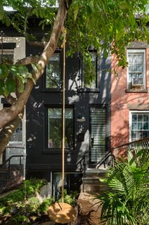 Spanning a mere 11 feet, this Brooklyn row house known as Little House, Big City has been strategically transformed to accommodate the needs of a young family of four.