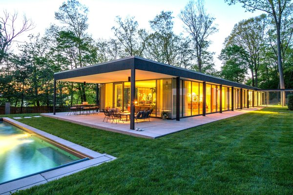 Originally designed in 1957 by SOM partner Roy O. Allen, this four-bedroom, three-bathroom house in Briarcliff Manor has been meticulously restored, while many of its original midcentury design details have been preserved and even emphasized. In fact, much of the design is reminiscent of the work of midcentury luminaries like Ludwig Mies van Der Rohe and Philip Johnson.