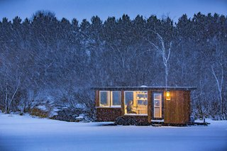 This 180-square-foot cabin offers 360-degree views of the Hudson Valley.