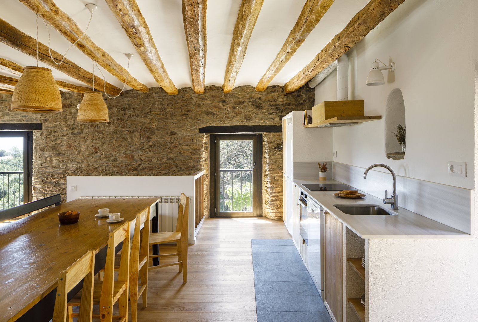 Can Castellnou by Acabadomate kitchen and dining room