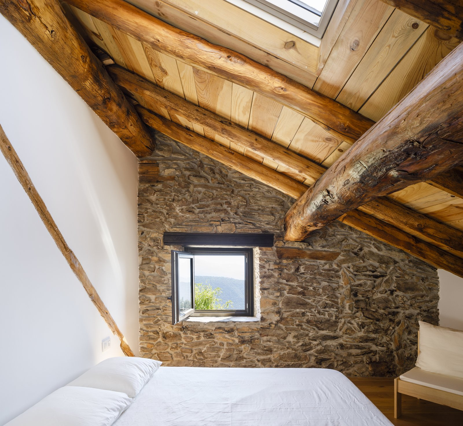 Can Castellnou by Acabadomate bedroom