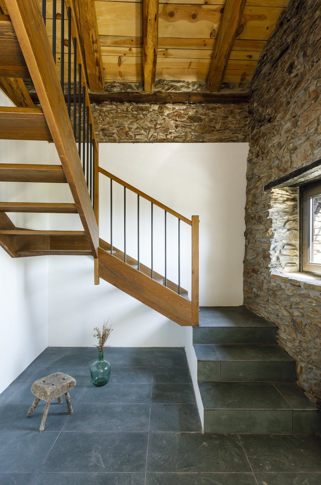 Can Castellnou by Acabadomate staircase