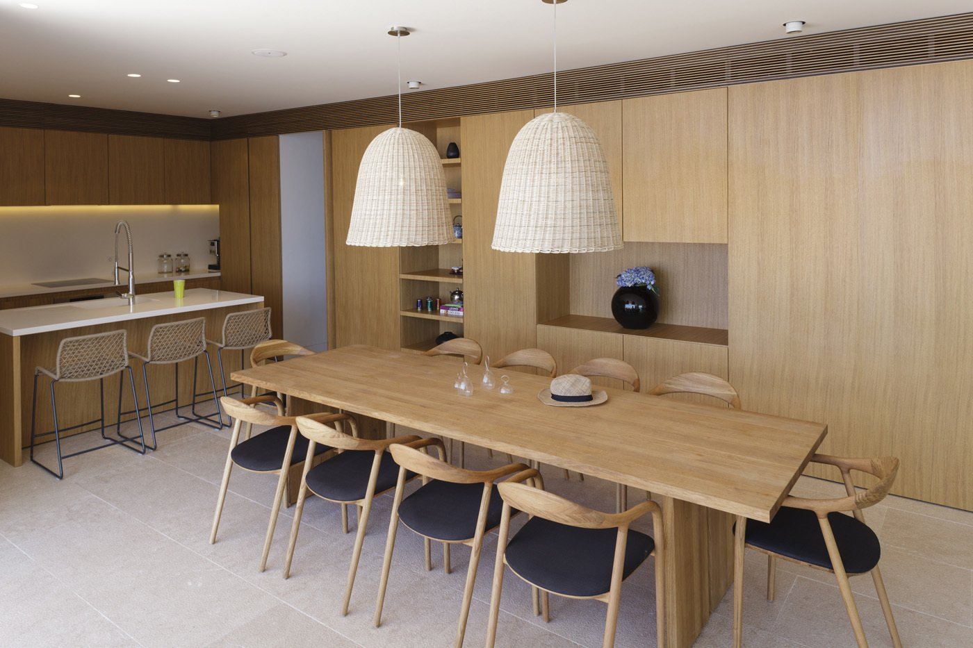 Kitchen and dining area  House V2 by 3LHD