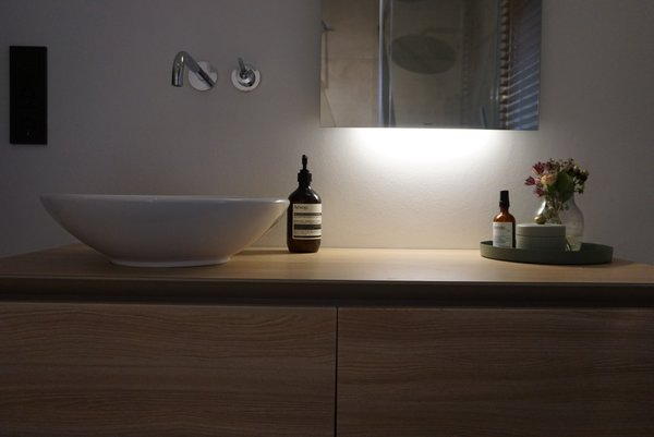 Natural and minimal bathroom