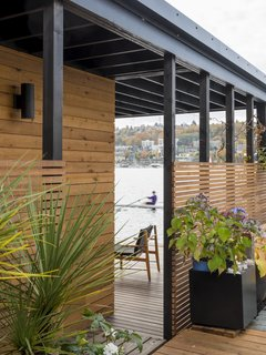 Deck with cedar slat screen for privacy