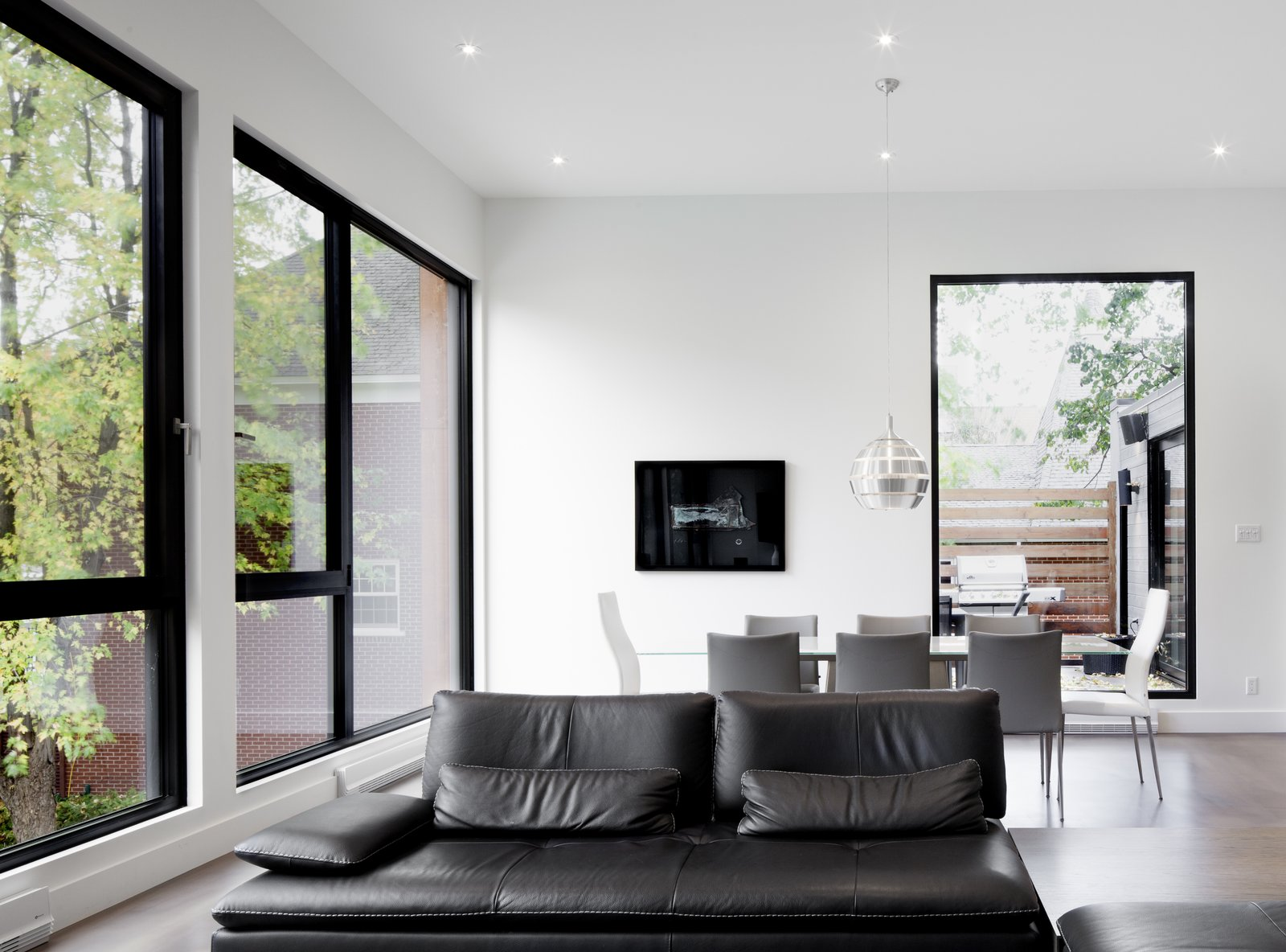 Dining room at Rue de l'Anse residence - PARKA Architecture & Design - Quebec city, Canada  Rue de l'Anse residence by PARKA - Architecture & Design