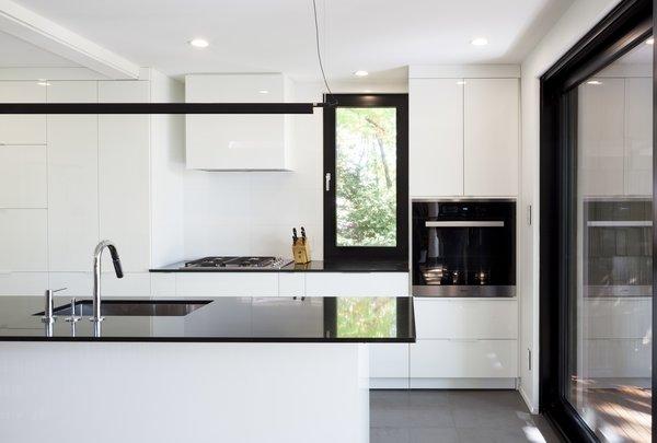 Kitchen - Rue de l'Espéranto residence  - Guillaume Sasseville & PARKA - Architecture & Design