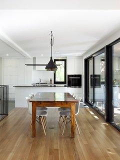 Dining room - Rue de l'Espéranto residence  - Guillaume Sasseville & PARKA - Architecture & Design