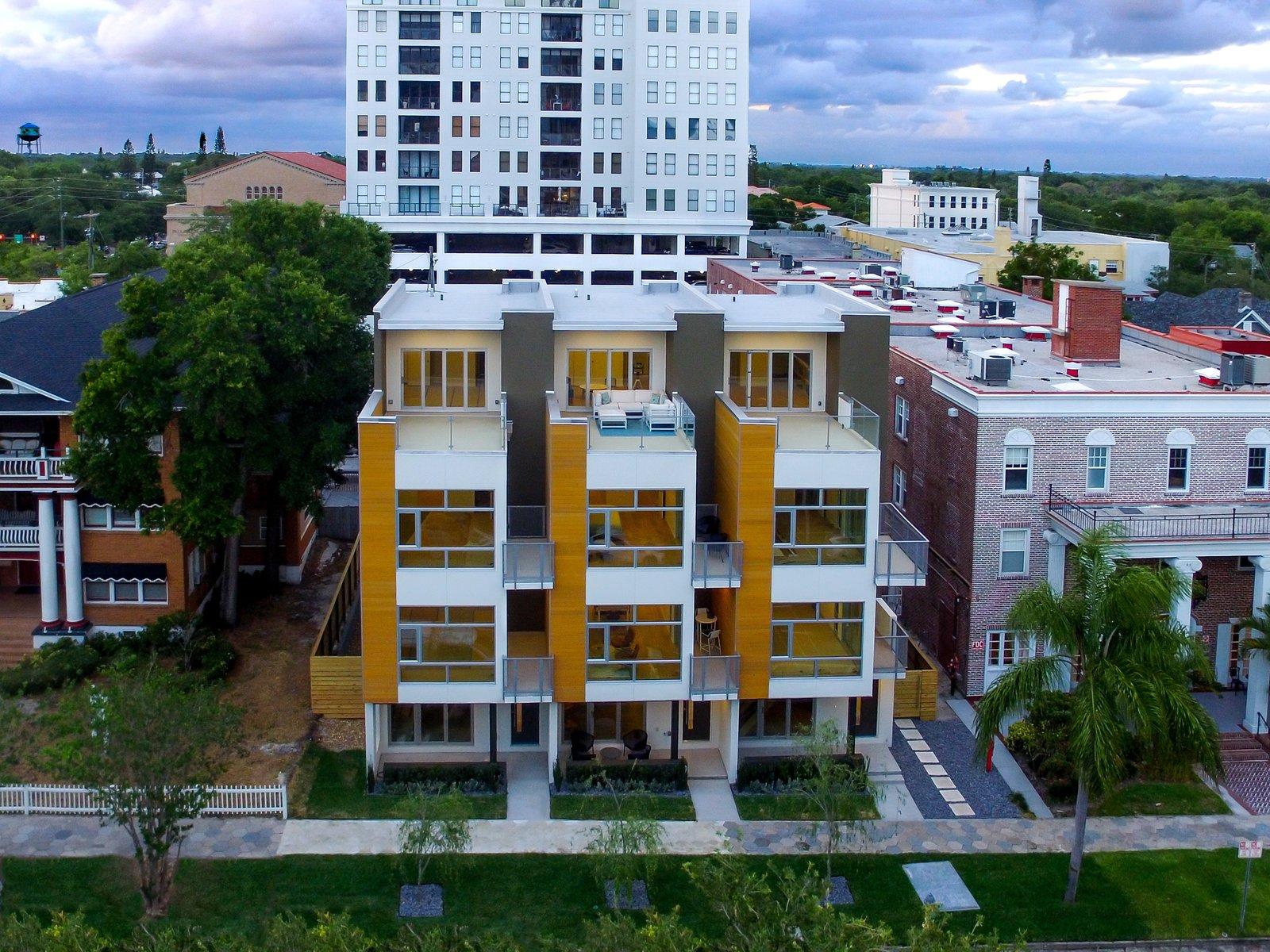 South facing facade.   LIV233 by Hudson Harr