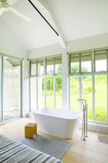 Upcountry Maui Cottage and Barn:  soaking tub in master bedroom
