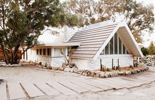 The former home of interior designer and renowned blogger Sarah Sherman Samuel, this 1961 A-frame in Palm Springs received a thorough renovation and a new lease on life.