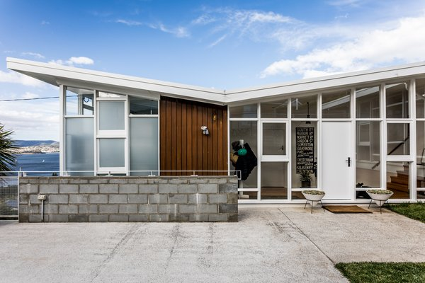 An Architect's 1958 Midcentury in Tasmania Gets a Graceful Renovation