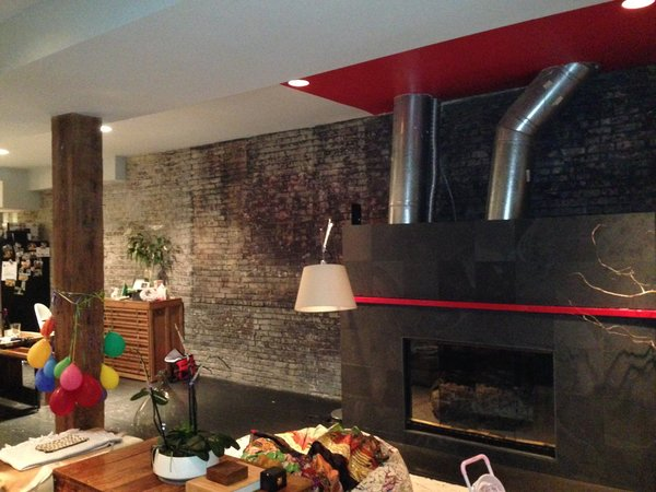 As you can see here, the fireplace sported even more flashy red accents.