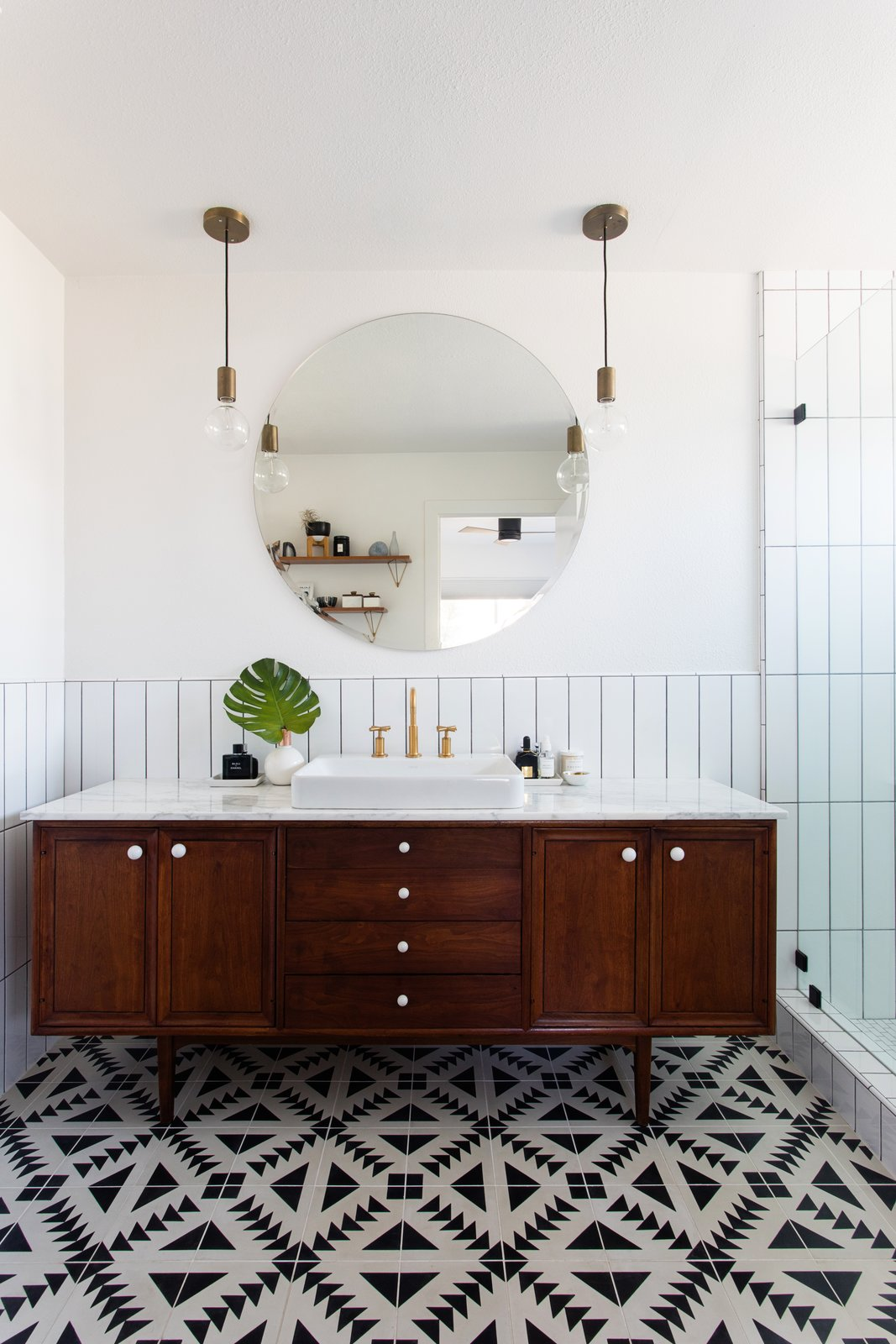 Kitchen Bath Remodel Gives Mid Century Home Modern Updates: Photo 11 Of 12 In Before & After: A Neglected 1960s Ranch