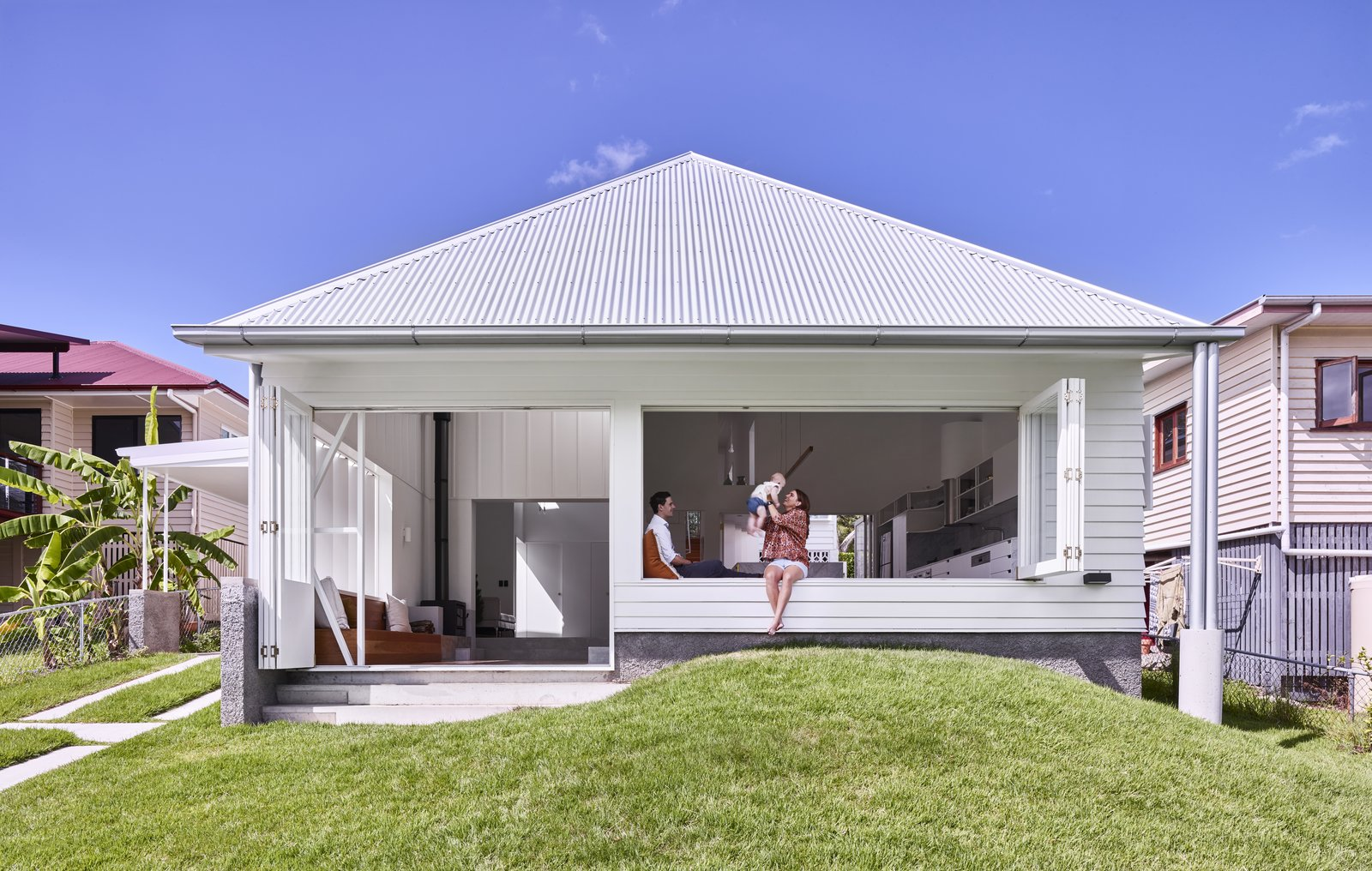 A Small Australian Cottage Becomes an Airy Gathering Hub