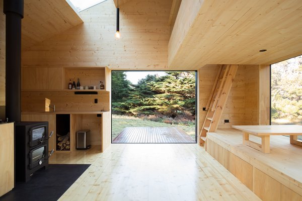 A Secluded, Off-Grid Cabin Echoes Stunning Minimalist Design