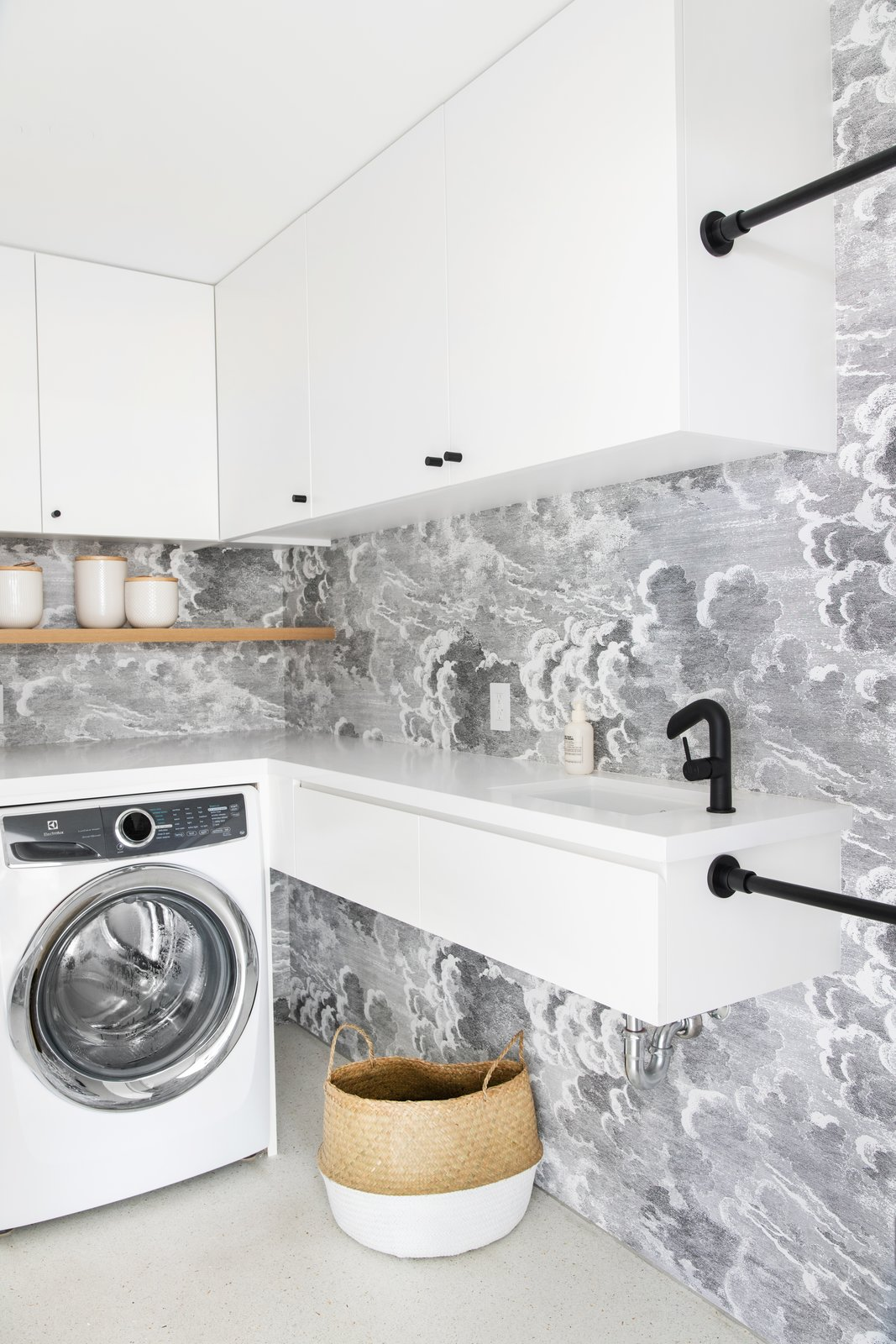 After: Mandy Moore midcentury home laundry room