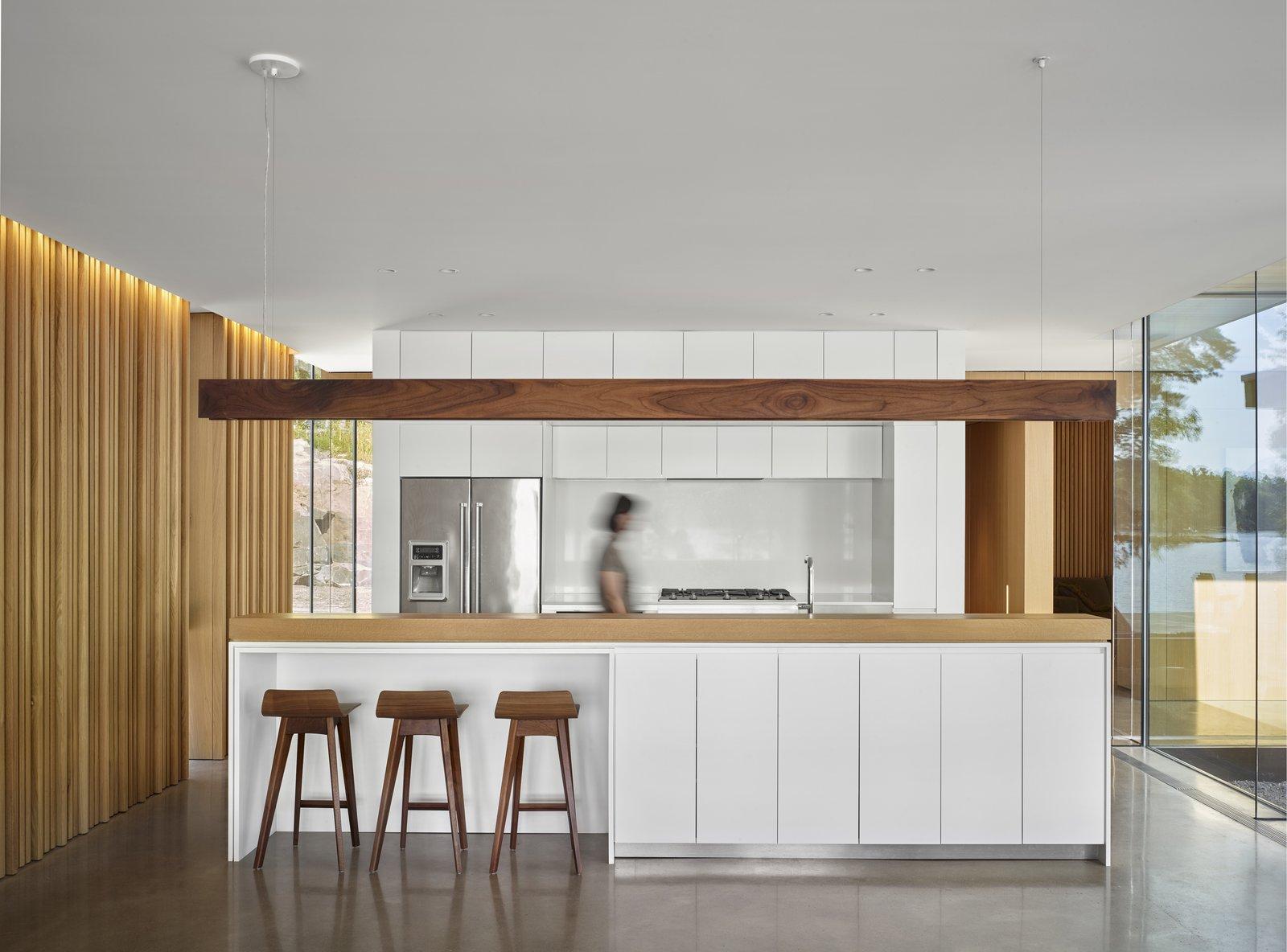 Lake Manitouwabing Residence kitchen