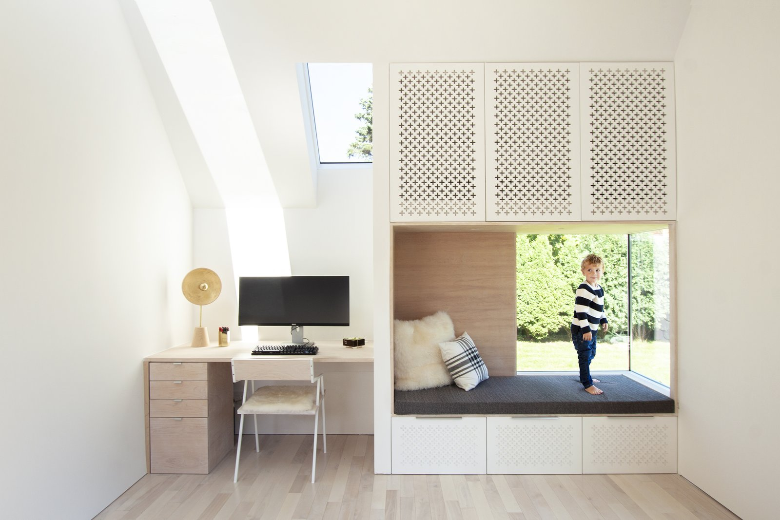 Fish Scale Studio reading nook and home office design