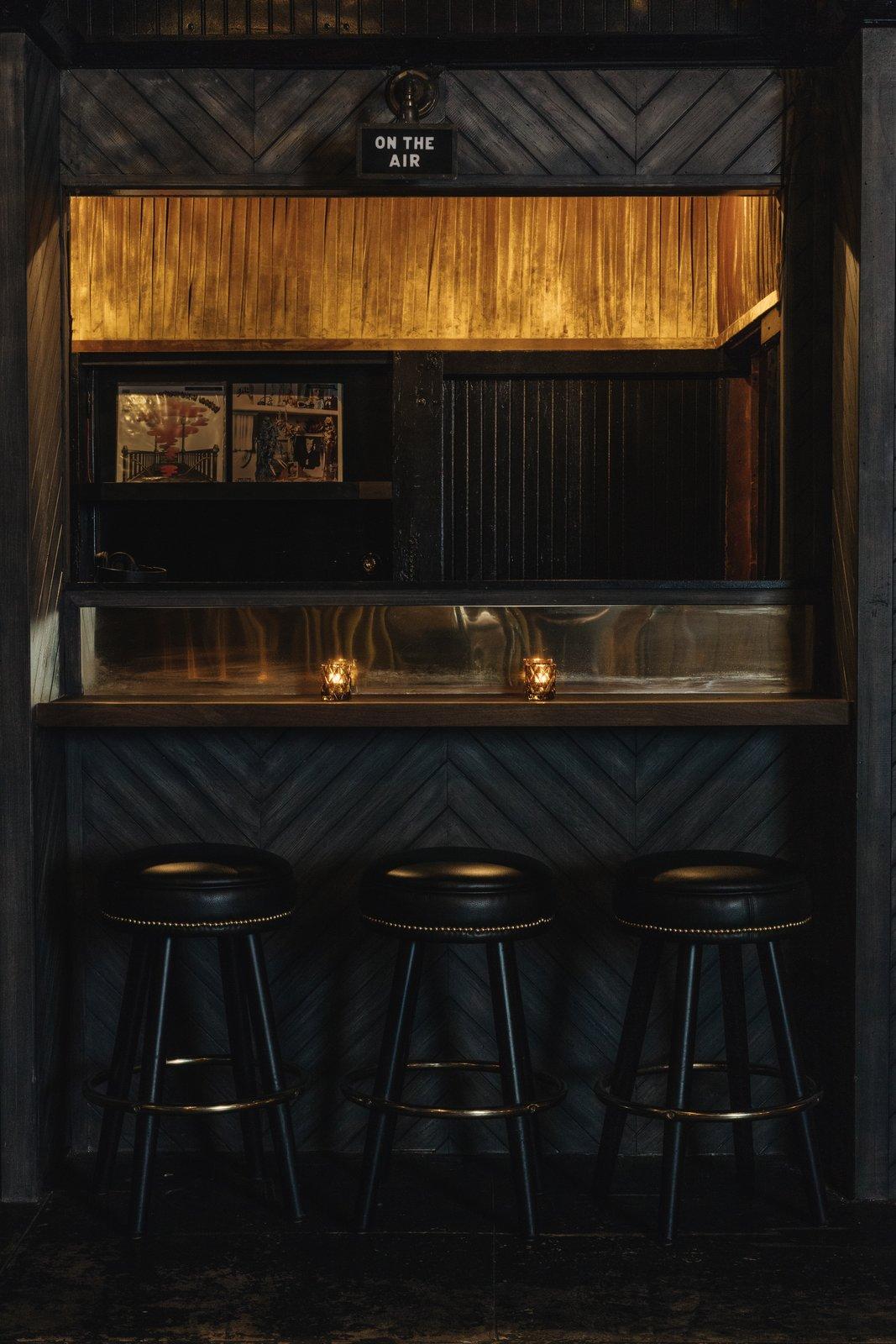 Gold-Diggers Bar
