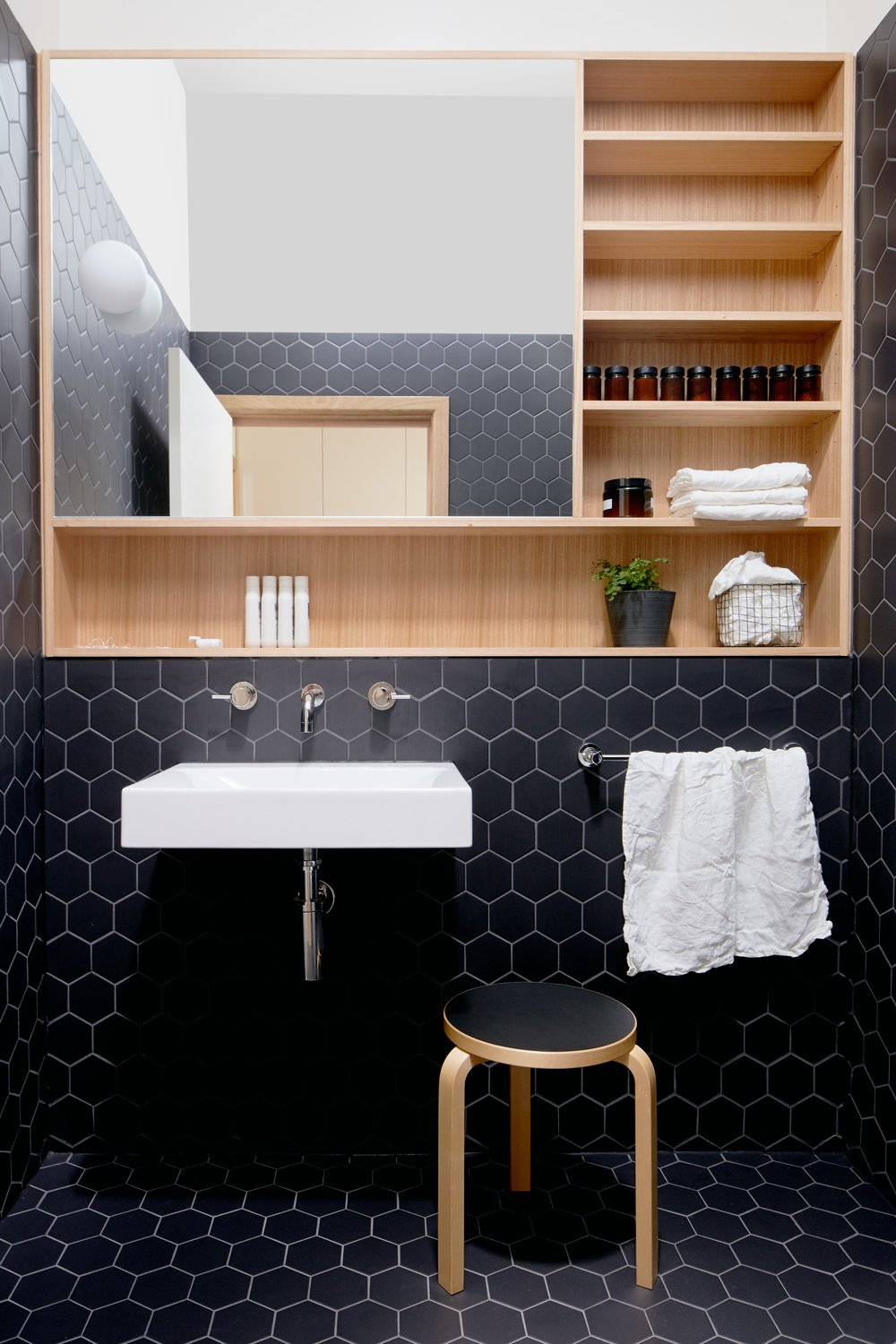Olaver Architecture Thornbury House Bathroom