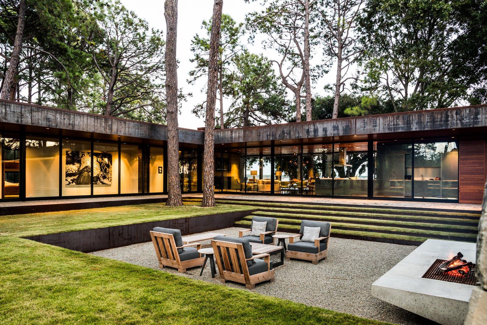 Emily Summers Design Associates Cedar Creek Residence Sunken Courtyard
