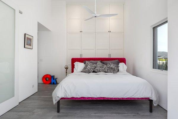 Best 21 Modern Bedroom Porcelain Tile Floors Design Photos And Ideas