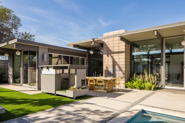 Los Angelesu2013based Pijuan Design Workshop is helmed by a dog-loving couple who & Best 60+ Modern Outdoor Stone Patio Porch Deck Design Photos And ...