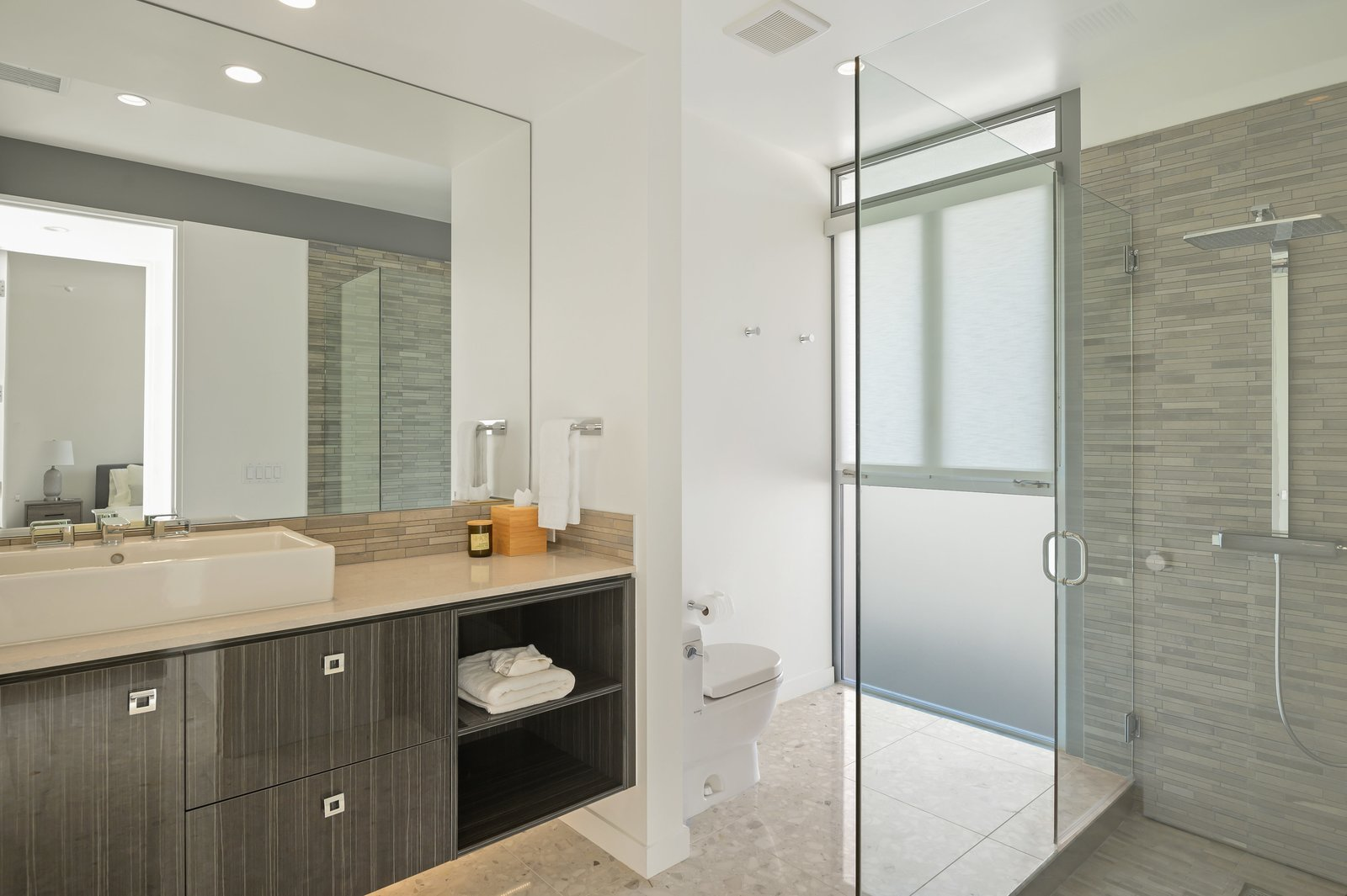 Donald Wexler Steel and Glass 2015 House Bathroom