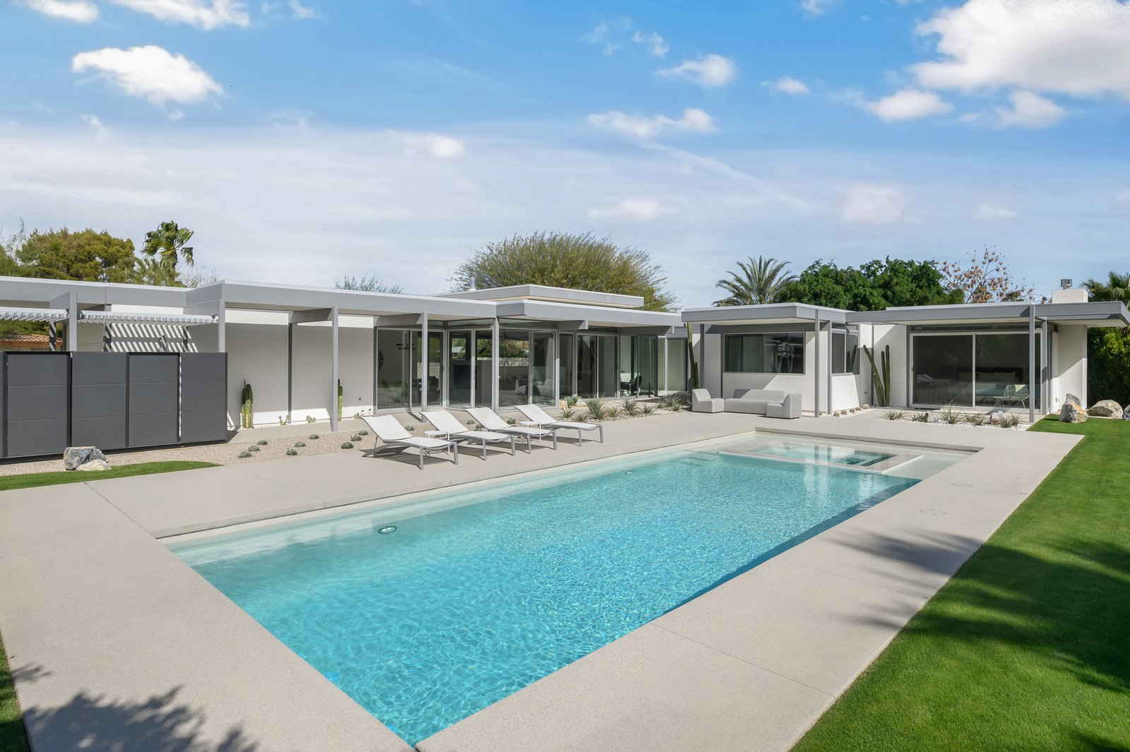 Donald Wexler Steel and Glass 2015 House Pool