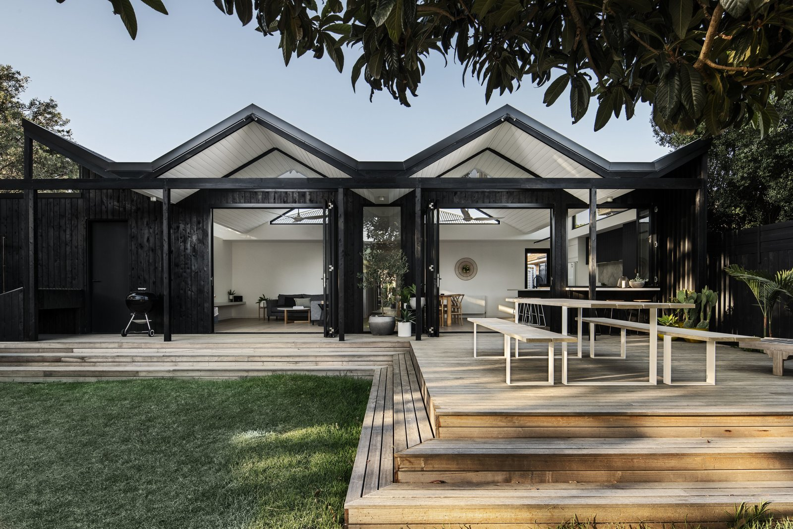 A Bold Addition With a Zigzag Roof Ushers Light Into This Melbourne Home