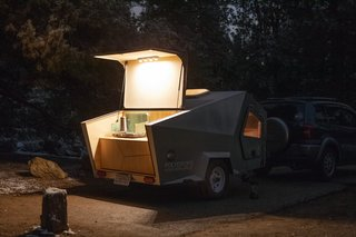Integrated LED lights make it easy to set up the rear cargo space as a kitchenette, which has two drawers.