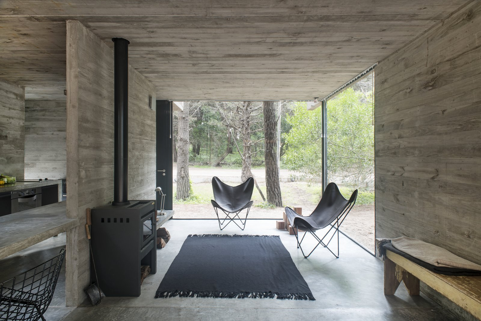 H3 House by Luciano Kruk Living Room