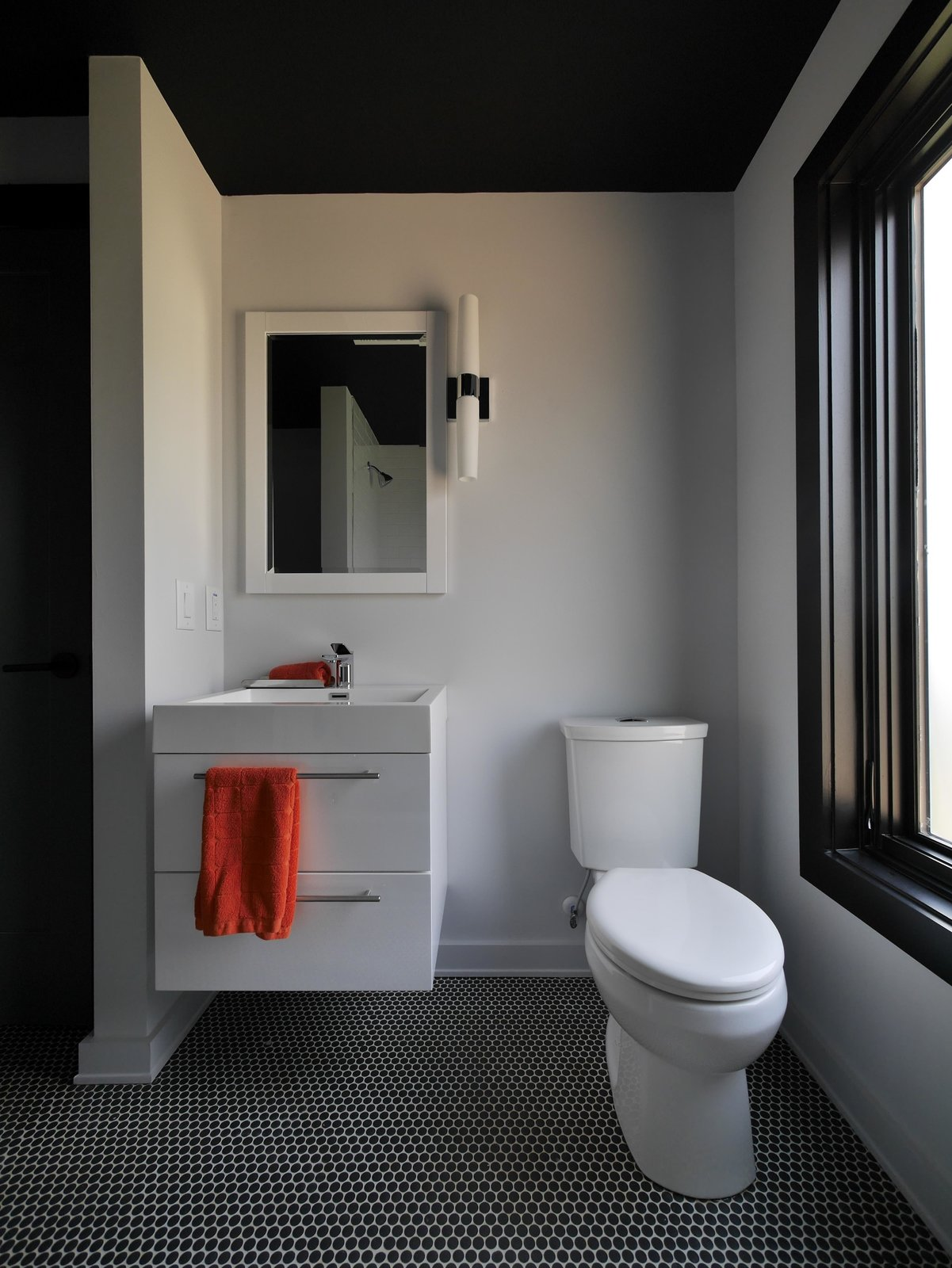 A Mews House by Alex Wu Architect Bathroom