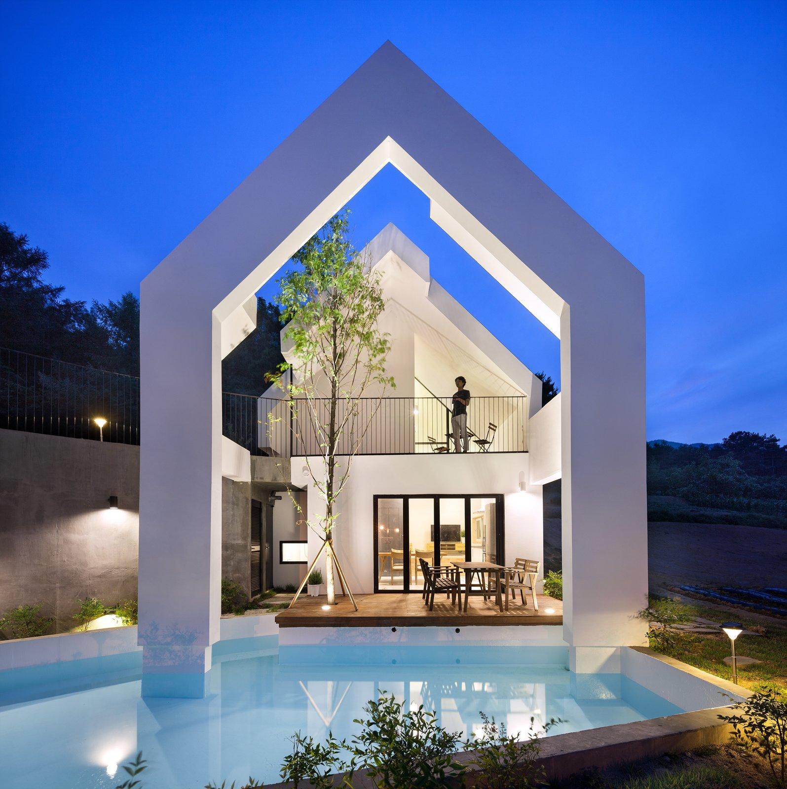 Baomaru House by Rieuldorang Atelier Pool