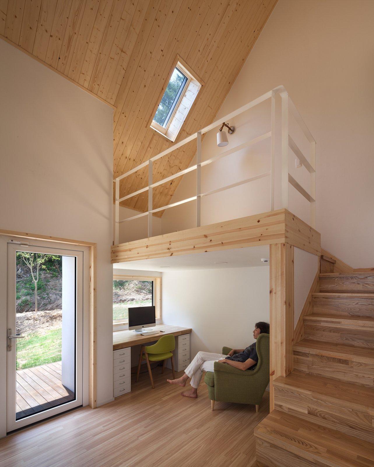 Baomaru House by Rieuldorang Atelier Bedroom