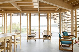The exterior Kebony framework designed by Atelier Oslo leads the eye, while still admitting plenty of natural light inside. The sparseness of the interior offers much-needed freedom from distractions.