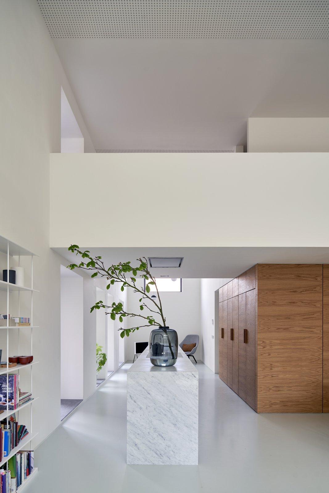 Gym Loft by eklund_terbeek architects Kitchen