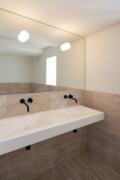 . Best 14 Modern Bathroom Travertine Floors Design Photos And Ideas