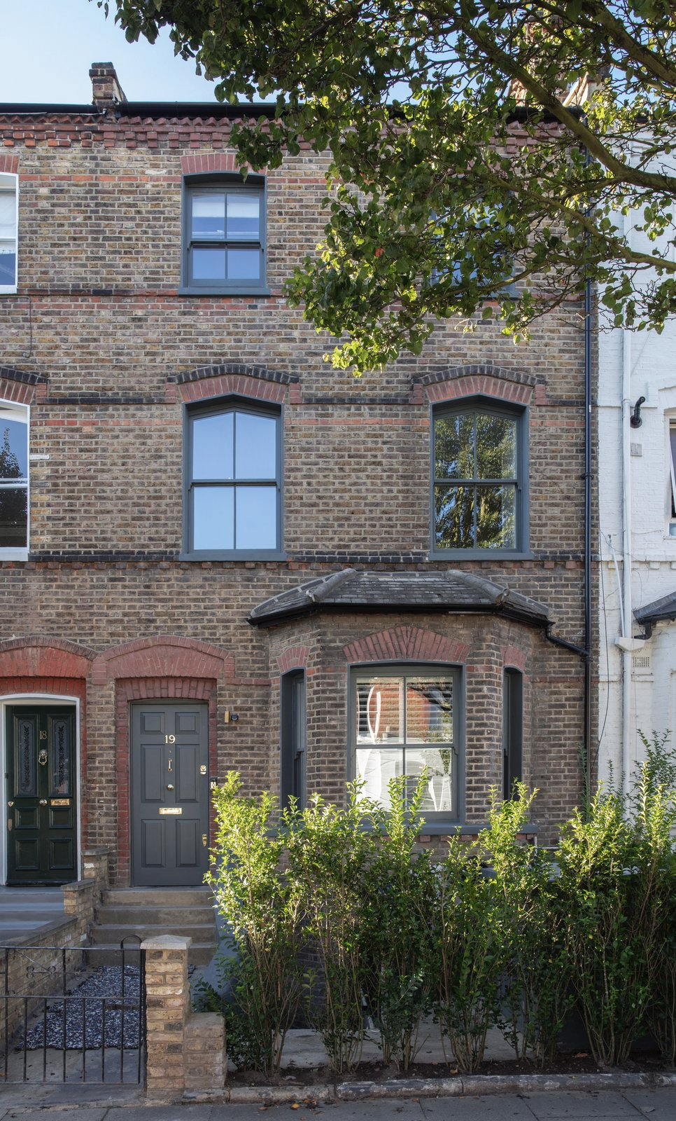 Before & After: A Cramped Victorian in London Lightens Up With a Double-Height Renovation