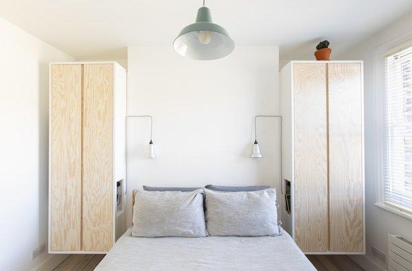 Best 29 Modern Bedroom Wardrobe Shelves Design Photos And ...