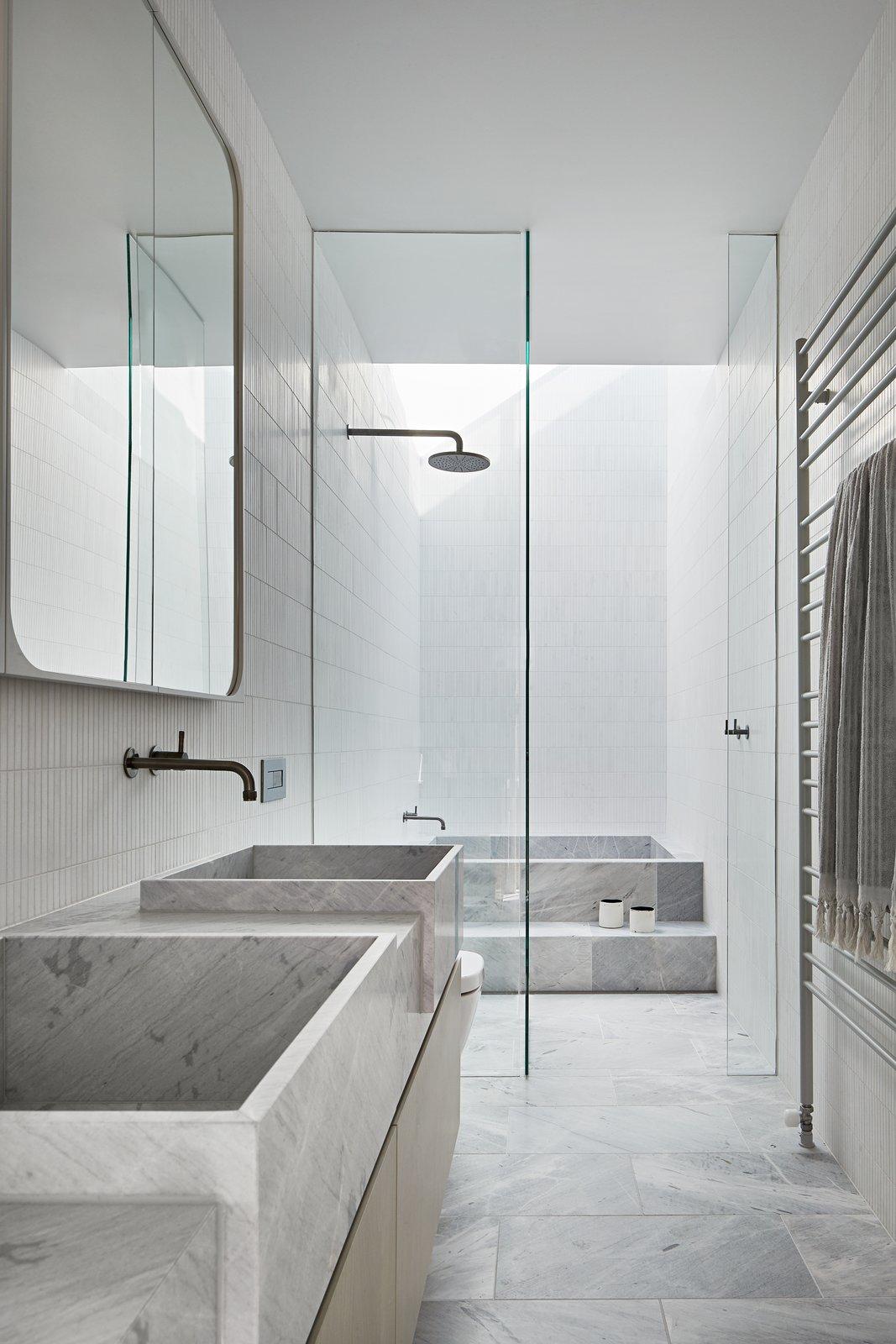 Albert Park by Robson Rak Architects Master Bathroom