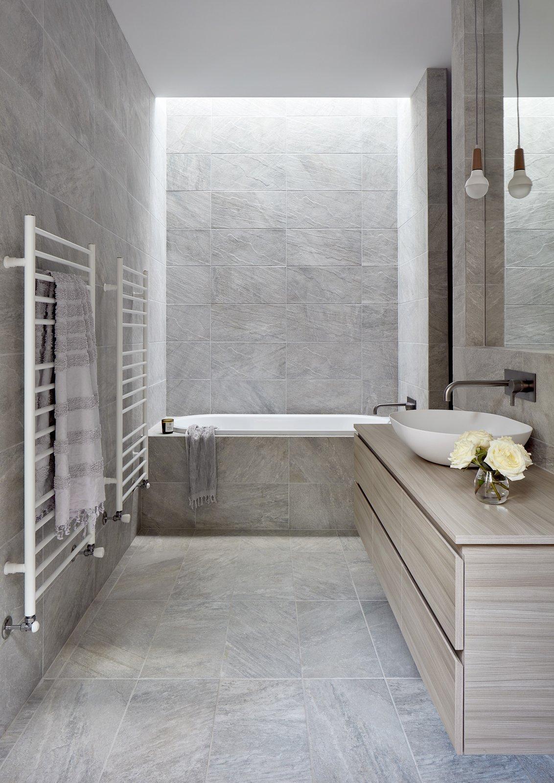 Mason House by Bryant Alsop Bathroom