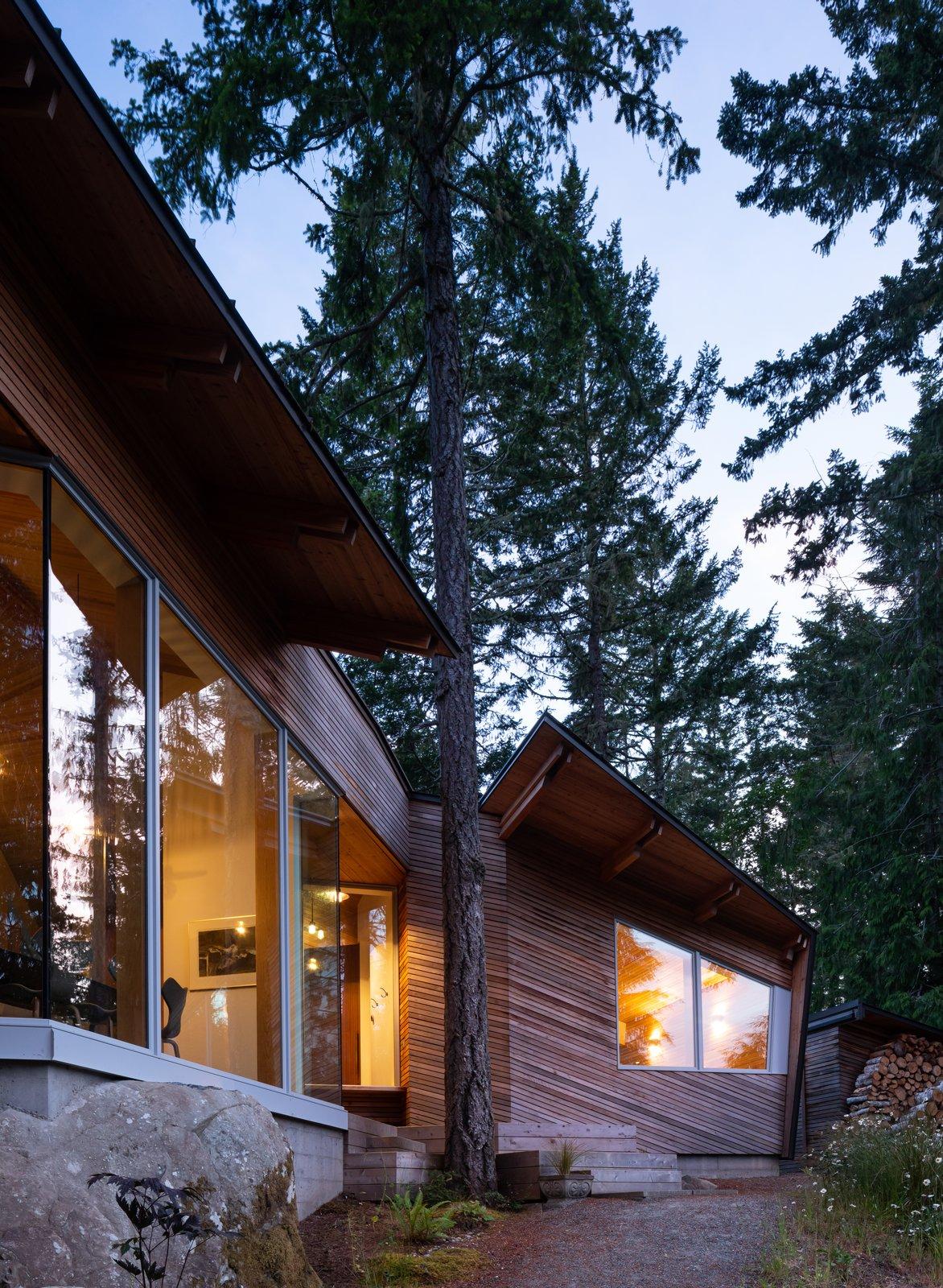 Sooke 01 House by Campos Studio Exterior