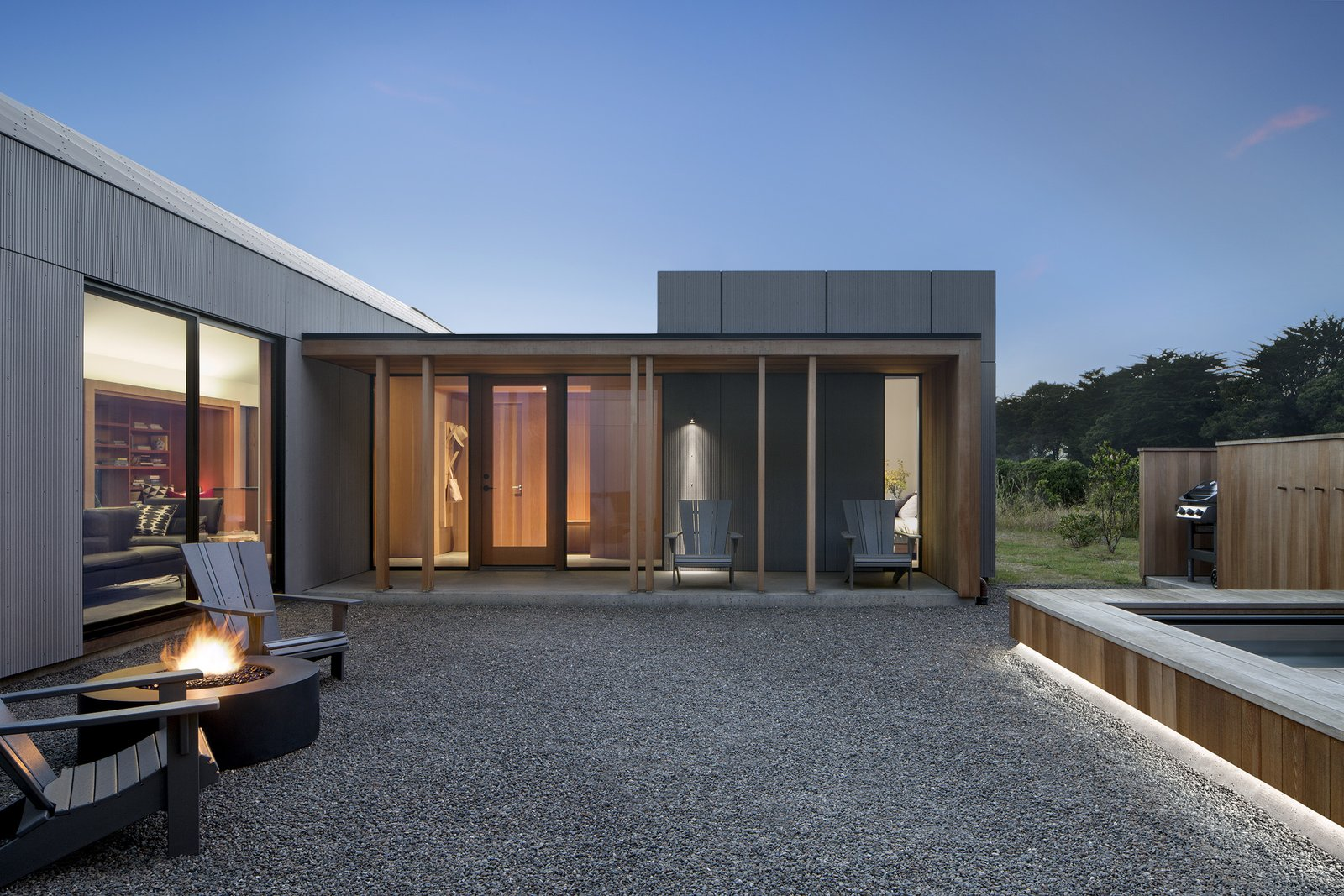 Skyfall Residence by Turnbull Griffin Haesloop Courtyard