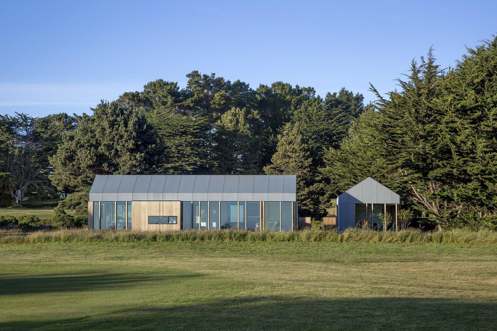 Skyfall Residence by Turnbull Griffin Haesloop Exterior