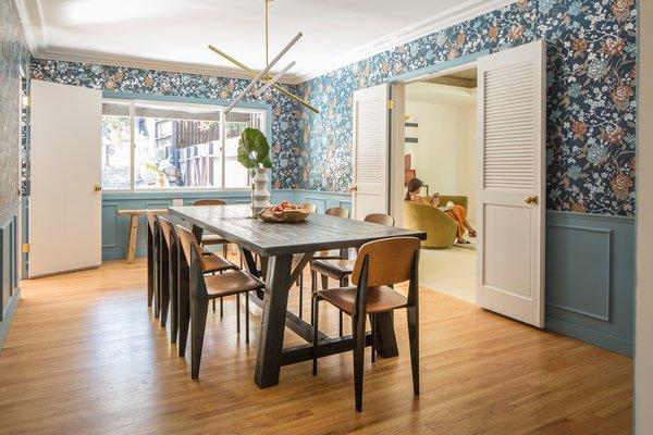 Dining Medium Hardwood, Dining Room Wallpaper Wainscoting