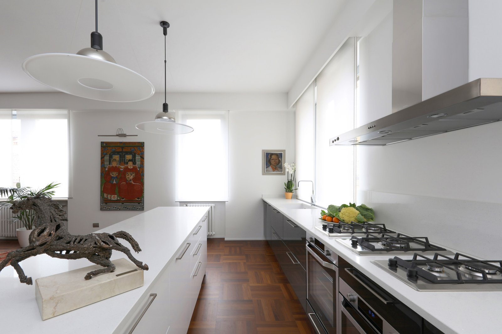 Tosio Street Apartment by alepreda architecture Kitchen