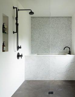Best 60 Modern Bathroom Marble Walls Design Photos And Ideas Dwell