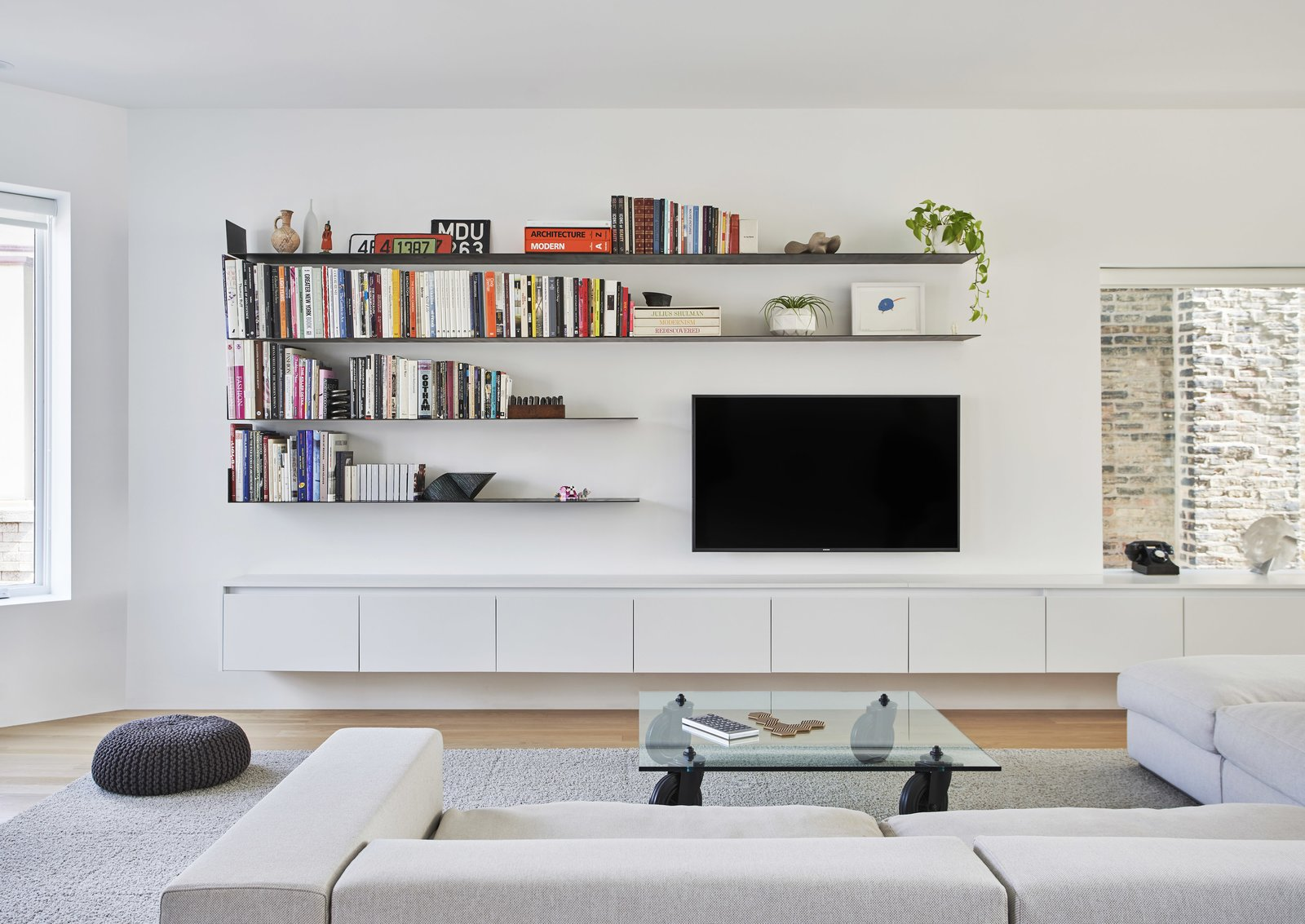 Newport Residence by Vladimir Radutny Architects Living Room